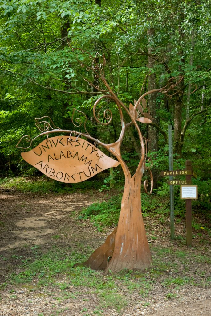 sign at the Arboretum's entrance